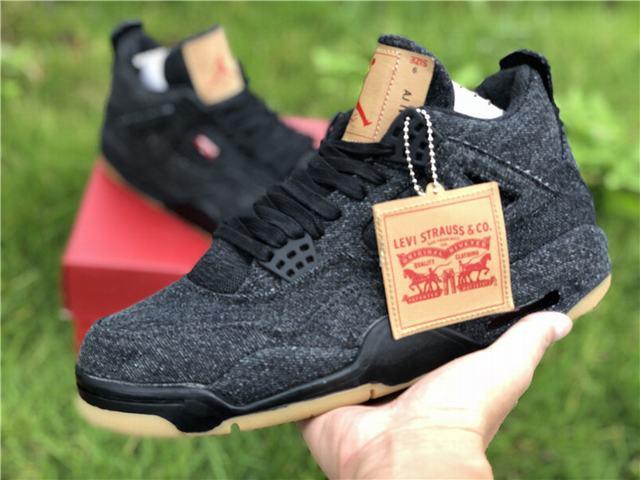 """Autentic Levi's x Air Jordan 4 """"Black"""""""
