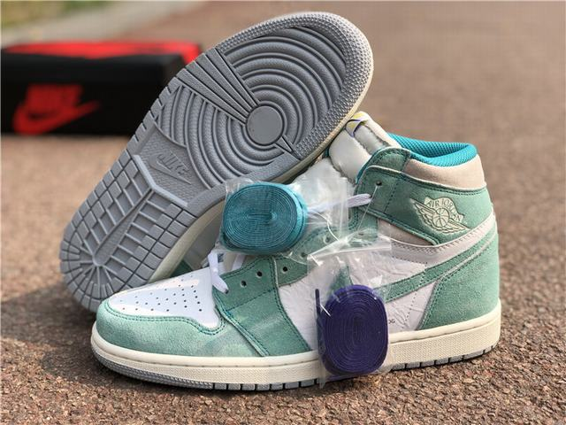 "Authentic Air Jordan 1 ""Turbo Green"""