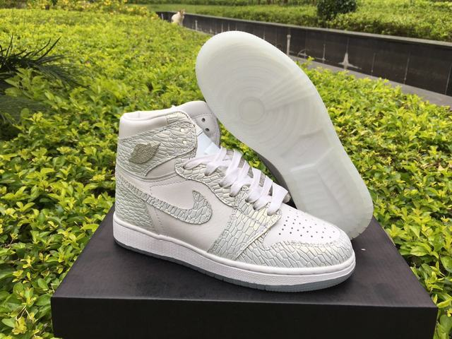 "Authentic Air Jordan 1 Retro High GS ""Frost White"""