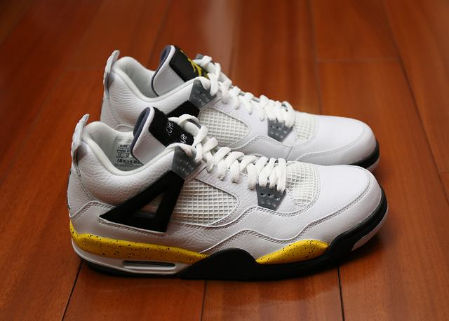 Authentic Air Jordan 4 White-Tour