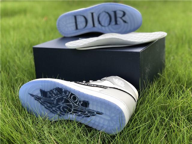 Authentic Dior x Air Jordan 1 2020