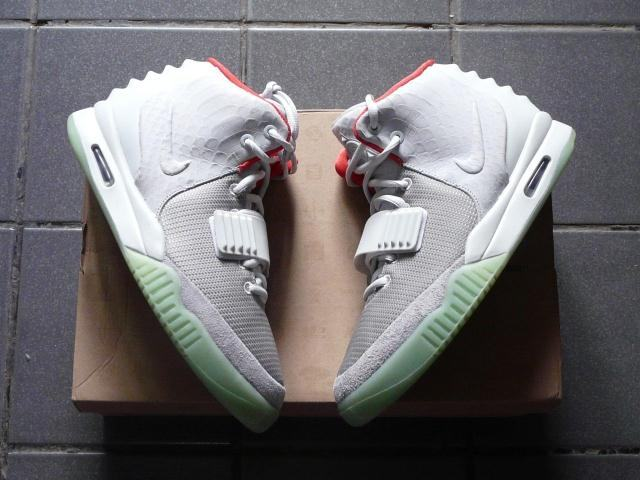 Authentic Nike Air Yeezy 2 Wolf Grey Pure Platinum