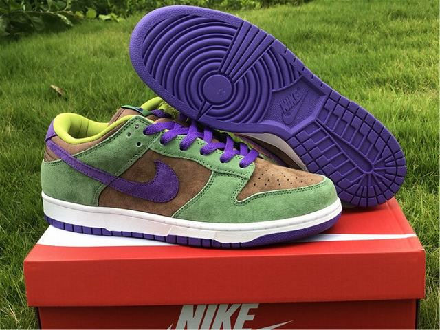 "Authentic Nike Dunk Low SP ""Veneer"""