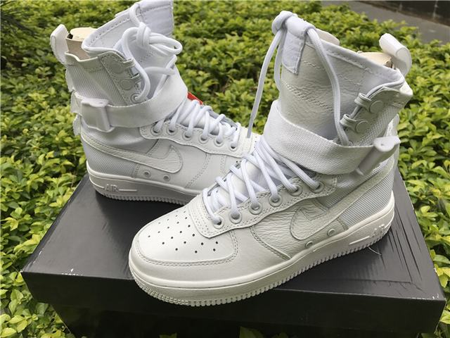 "Authentic Nike Special Field Air Force 1 ""Triple White"""