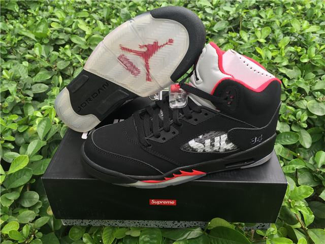 "Authentic Supreme x Air Jordan 5 ""Black"" GS"