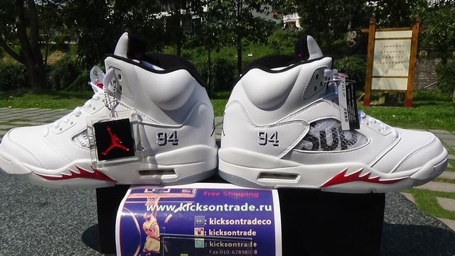 "Authentic Supreme x Air Jordan 5 ""White""(in stock)"