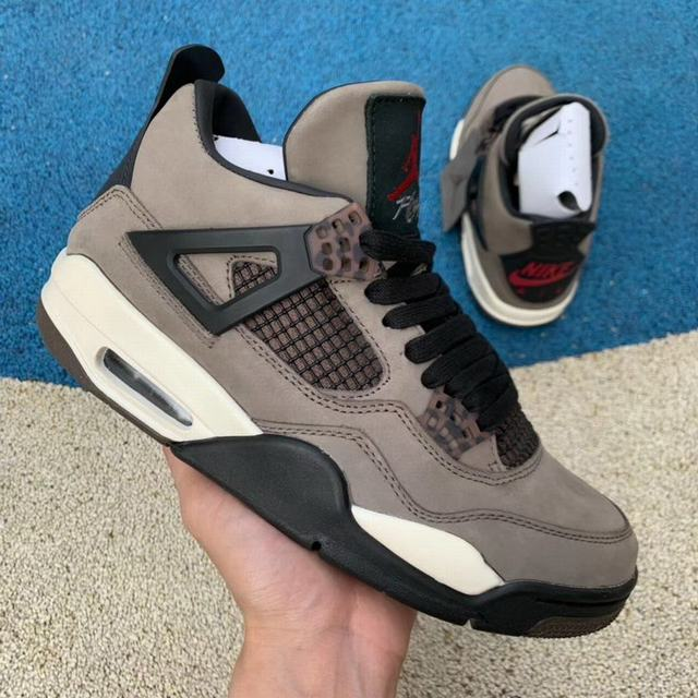 Authentic Travis Scott x Air Jordan 4 Grey