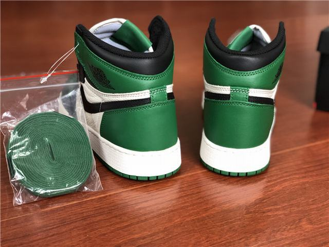 "Authentic Air Jordan 1 High OG ""Pine Green"" GS"