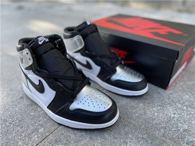 "Authentic Air Jordan 1 High OG WMNS ""Silver Toe"""