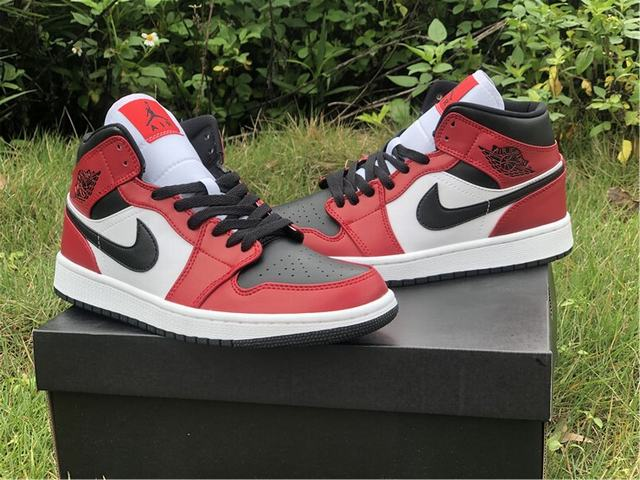 """Authentic Air Jordan 1 Mid """"Chicago Black Toe"""""""