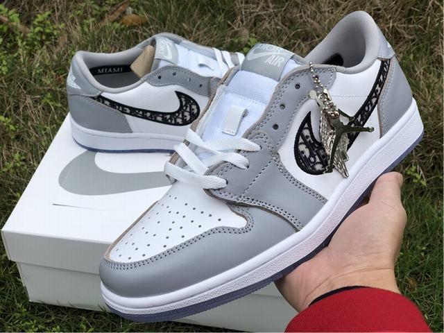 Authentic Dior x Air Jordan 1 Low