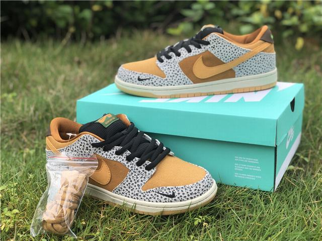"Authentic Nike SB Dunk Low ""Safari"""