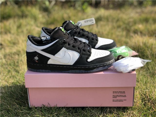 Authentic Staple x Nike Dunk SB Low